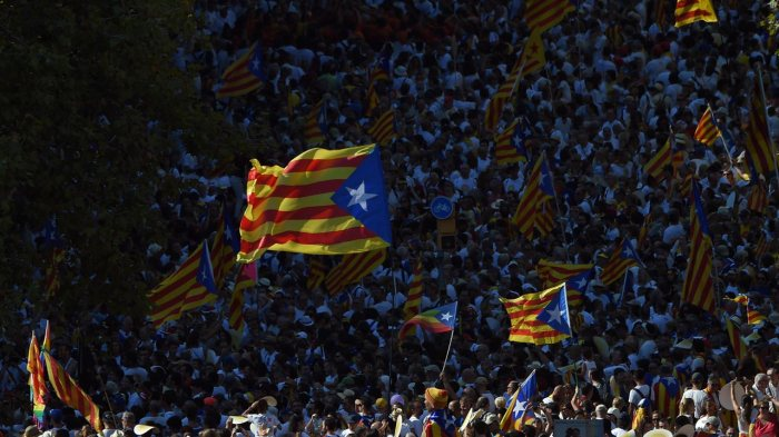 Catalonia's independence plans at a crossroads